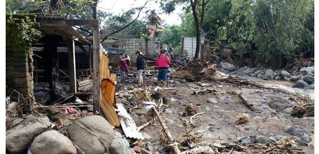 Warga Kalikatir Mojokerto Trauma Banjir Bandang Sungai Klorak