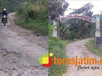 Warga Tunggu Perbaikan Jalan Tegalombo-Kledung Pacitan Yang Rusak Parah