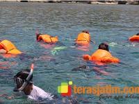 Mengunjungi Berbagai Obyek Wisata Dengan Bangsring Boat