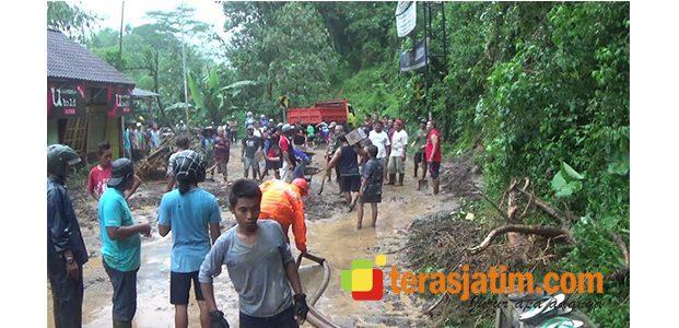 Wilayah Selopuro Longsor, Jalur Blitar – Malang Terganggu