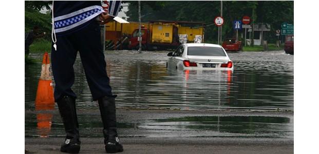 Hujan 4 Jam Non Stop, Sidoarjo Banjir