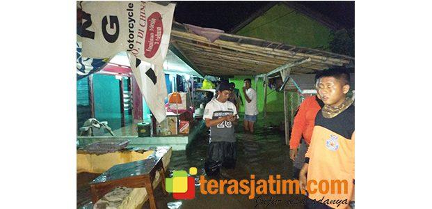 Tanggul Jebol, Rumah Warga di 2 Kecamatan di Situbondo Kebanjiran