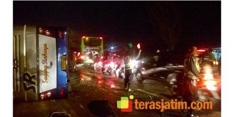 Tabrak Truk Tangki, Bis Sugeng Rahayu Terguling di Jombang