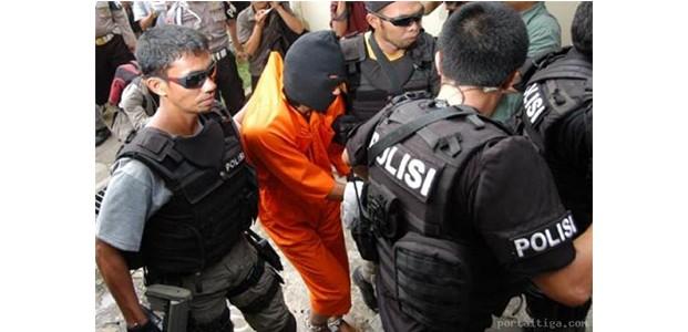Densus 88 Tangkap Terduga Teroris Asal Magetan