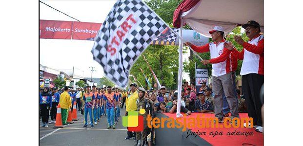 Ribuan Peserta Ikuti Gerak Jalan Mojokerto-Surabaya