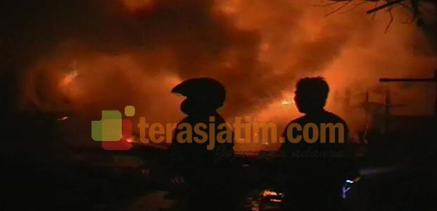 Gudang Kayu Ludes Terbakar
