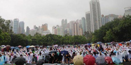 Ribuan Buruh Migran Indonesia Rayakan Idul Fitri di Negeri Beton