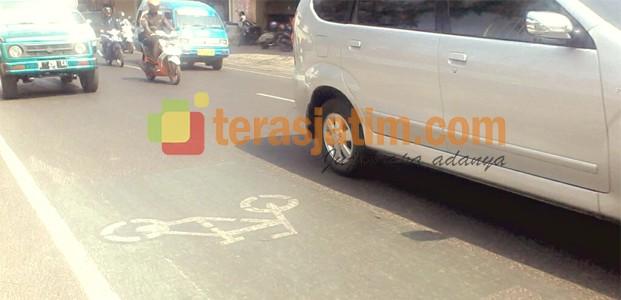 Jalur Khusus Sepeda Tidak Efektif