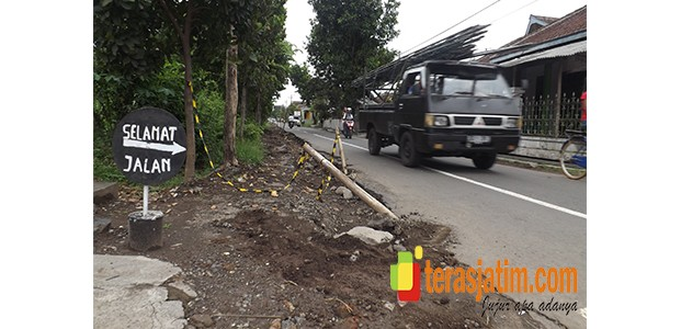 Warga Kedung Pedaringan Malang, Keluhkan Amburadulnya Proyek Provinsi