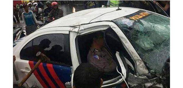 Kawal Rombongan, Mobil Patwal Polda Jatim Alami Kecelakaan di Tongas Probolinggo