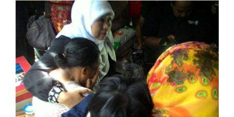 Menteri Sosial Ajak Keluarga Gadis 'Kandang Bebek' Tinggal di Pesantren