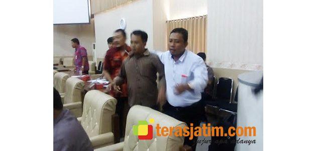 Hearing Insentif Mudin, 2 Anggota DPRD Banyuwangi Nyaris Adu Jotos