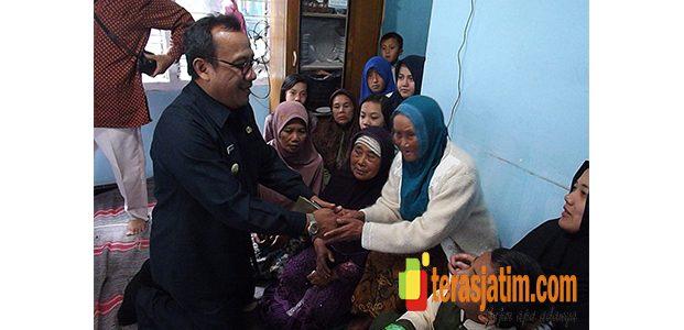 Pj Bupati Malang, Santuni Keluarga Korban Suporter Arema