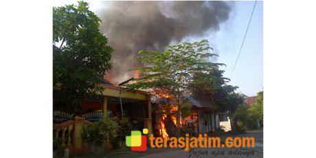 Gara-Gara Bensin Tumpah, Rumah Seisinya Ludes Terbakar