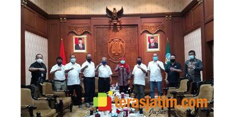 Gubernur Khofifah Janji Akan Fasilitasi Kegiatan SMSI Jatim