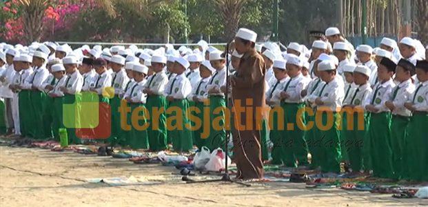 Minta Hujan, Siswa-Siswi Madrasah Gelar Sholat Istisqo