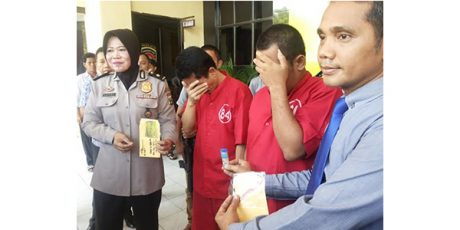 Modal Tusuk Gigi, 2 Penjahat ini Kuras Duit Puluhan Juta dari ATM
